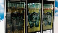 透明モニター実例2ビール